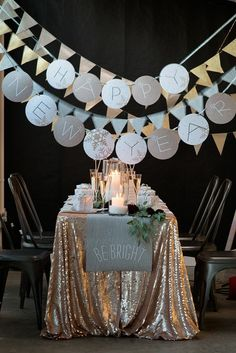 Popular New Years Eve Party Table Decoration Ideas. If you are looking for New Years Eve Party Table Decoration Ideas, You come to the right place. New Years Wedding, New Years Eve Weddings, New Years Party, New Years Eve Dinner, Silvester Diy, New Years Eve Decorations, Nye Party, Elmo Party, Mickey Party