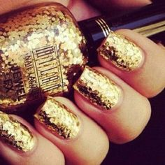 golden nails!!