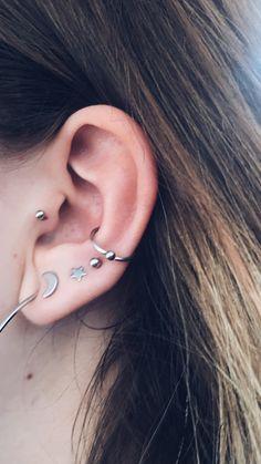 E Tattoo, Piercing Tattoo, Tragus, Cute Piercings, Jewelery, Gems, Bling, Piercing Ideas, Mix