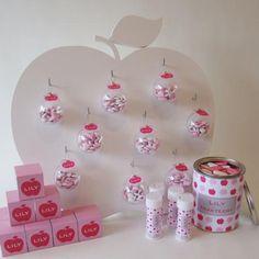 totaalconcept met bellenblazers en doopsuiker roze