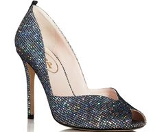 """Sarah Jessica Parker Celebrates Her Latest Line of Shoes in LBD and Her Own SJP """"Naomi"""" Pumps at Bloomingdale's"""