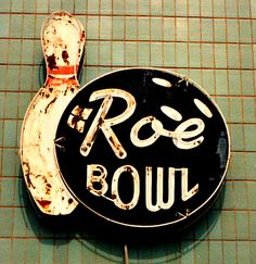 Roe Bowl - Jon Lander - copyright circa 1992 - old bowling alley sign, torn down in Roeland Park, KS about 1992 - I'm getting a kick out of having a second crack at some of these shots 20 years later