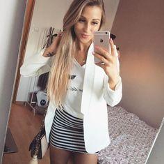 Stylizacja ze spódniczką w paski w roli głównej ivon-sklep.pl @magdanlena