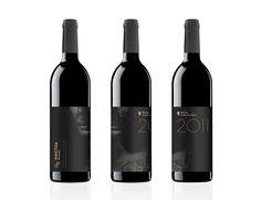 Athene Noctua wine packaging