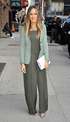 Sarah Jessica Parker does spring chic in khaki jumpsuit