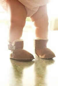 #BootsUggHub #girl uggs