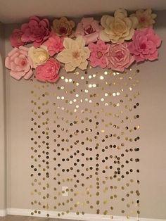 New baby diy ideas wall art 34 Ideas Gold Backdrop, Paper Flower Backdrop, Paper Flowers Diy, Backdrop Ideas, Paper Flower Wall, Paper Flower Garlands, Craft Flowers, Paper Roses, Flower Art