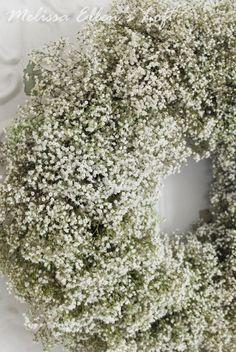 Baby's Breath Wreath {DIY} My favorite DIY for a baby's breath wreath