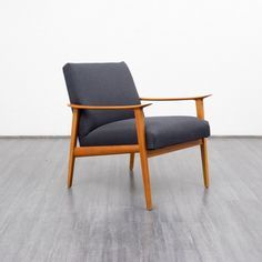Velvet-Point - armchairs / easy chairs 1960s armchairs, cherrywood, reupholstered (no. 6924) - Karlsruhe