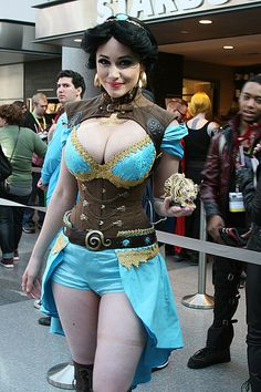 26 Eye-Popping Cosplays from New York Comic-Con 2015! | moviepilot.com