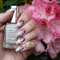 Hello lovelies, So since I'm celebrating awesome 30,000 followers on Facebook, I wanted to share with you this Gradient Pattern Garden Nails today. Thank you so much for the following and reading my blog, it means the world to me! I haven't done some...
