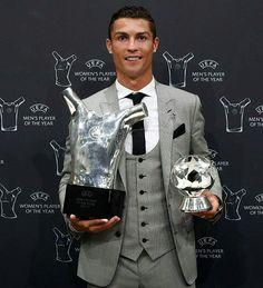Cristiano Ronaldo, UEFA player of the year Cristiano Ronaldo Trophies, Cristiano Ronaldo Style, Cristiano Ronaldo Juventus, Gareth Bale, Lionel Messi, Fc Barcelona, Neymar, Fotos Real Madrid, Manchester United