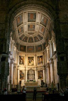 Interior of Mosteiro dos Jeronimos - Lisbon portugal