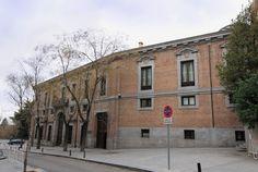 El palacio del Marqués de Grimaldi, también llamado de Godoy, en Madrid (España), fue proyectado por Francisco Sabatini y realizado durante los años 1779 y 1780. Se ubica junto a la céntrica calle de Bailén y no lejos del Palacio de Oriente. Ocupado durante unos años por Manuel Godoy, en la actualidad el palacio es la sede del Centro de Estudios Políticos y Constitucionales. Fachada sureste del palacio.