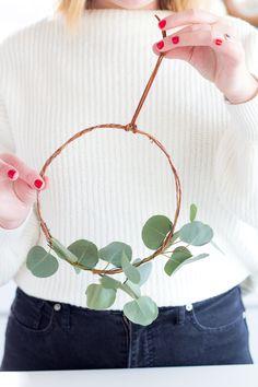 DIY Minimalist Eucalyptus Wreath