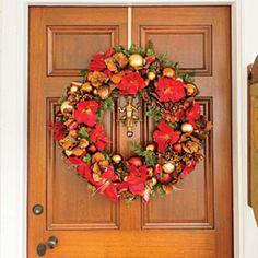 54 Festive Christmas Wreaths: Flower Christmas Wreath