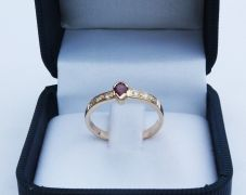bague-or-rubis-diamants