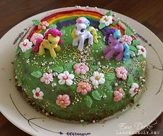My Little Pony birthday cake - So Pretty - I wish I was this artistic to be able to replicate something like this.