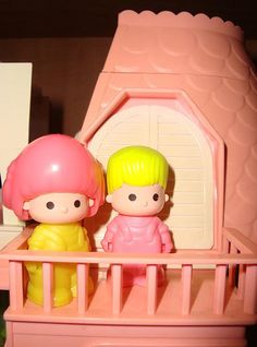 Pin Y Pon - La Casa De Pin by miguelmontanomx, via Flickr                                                                                                                                                      Más