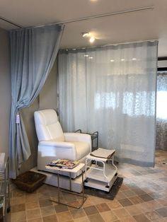 ネイルサロンインテリアデザイン Home Nail Salon, Nail Salon Design, Nail Salon Decor, Beauty Salon Decor, Spa Interior, Salon Interior Design, Pedicure Station, Spa Treatment Room, Nail Room