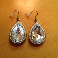 Gorgeous Gold and Rhinestone Earrings So beautiful Jewelry Earrings