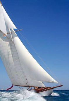Classic Yacting - Royal South Australian Yacht Squadron