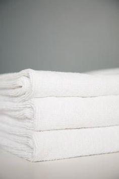 ¿Cómo blanquear profesionalmente las toallas para que queden como de hotel?   eHow en Español