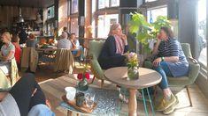 verbouwing ONZ restaurant door wearearchitects #horeca #lunchroom #utrecht #diner #restaurant #hergebruik #hout Utrecht, Restaurant, Table Decorations, Furniture, Home Decor, Decoration Home, Room Decor, Restaurants, Home Furniture