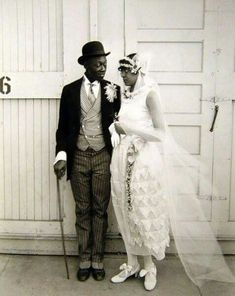 100 Years of African American vintage photography from the end of slavery in the to the Black Power Movement of the and beyond. Couples Vintage, Vintage Wedding Photos, 1920s Wedding, Vintage Weddings, Vintage Bridal, Flapper Wedding, Black Weddings, Elegant Wedding, Black Love