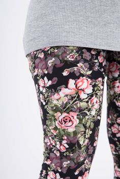 Agnes & Dora by Staci Ann #fisher #wraptop #tieredtop #agnesanddora agnesanddorabystaciann #ootd #outfitoftheday #fahionblogger #styleblogger  #leggings #leggingsarepants #fashion   Shop: www.shopfabulousfrocks.com  Join: www.lovestaciann.com