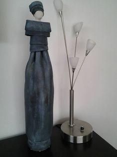 Keramische beelden (1) | Christien-van-soest-mill.jouwweb.nl Pottery Angels, Keramik Design, Play Clay, Ceramic Houses, Sculpture Clay, Statues, Ceramic Pottery, Diy Clothes, Carving