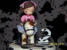 topo de bolo menina no cavalo contato: arteira_2010@hotmail.com www.facebook.com/soniamendesbiscuit