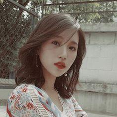 ⃕K N A W─・゚-𝓰𝓲𝓻𝓵 𝓰𝓻𝓸𝓾𝓹𝓼ˎˊ- Nayeon, Kpop Girl Groups, Korean Girl Groups, Kpop Girls, Mamamoo, Rapper, Sana Momo, Jihyo Twice, Twice Once