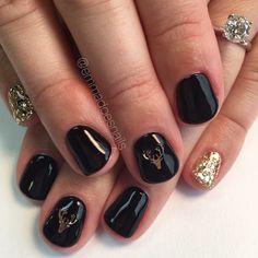Deer nails holiday nails Christmas nails winter nails nail art nail design short nails gel mani reindeer nails