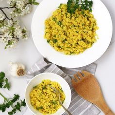 Looking for an alternative to the same old side dish of rice and potatoes? Try this tumeric cauliflower rice with cilantro. Cauliflower Salad, Cauliflower Recipes, Indian Food Recipes, Real Food Recipes, Vegetarian Recipes, Healthy Recipes, Ethnic Recipes, Free Recipes, Health