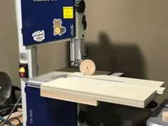 Learn how to make an adjustable circle cutting jig for your bandsaw in this step by step DIY tutorial. This is a really easy shop project that will make cutting circles a breeze.