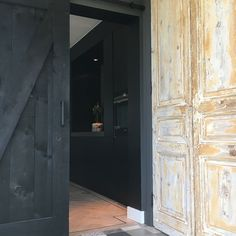 Binnenkijken bij Esmee - My Simply Special - Lilly is Love Dark Interiors, Windows And Doors, Interior Inspiration, Diy And Crafts, Kitchen Design, New Homes, Living Room, Outdoor Decor, House