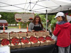 Come summertime, ripe, local berries abound at the Issaquah Farmers Market.