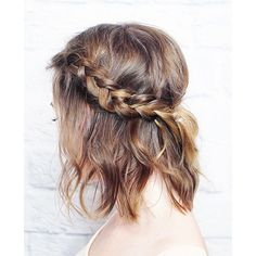 10 Easy Summer Braids ❤ liked on Polyvore featuring beauty products, haircare, hair styling tools, hair, hairstyles and hair styles