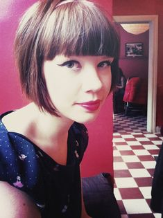 Cutest Hair Cut: Boxy Bob & Bangs - If I ever DARED to go short; I would do this. Cute.