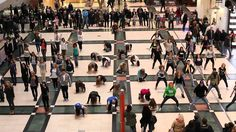 GAP Flash Mob - Arkadia 20.10.2011