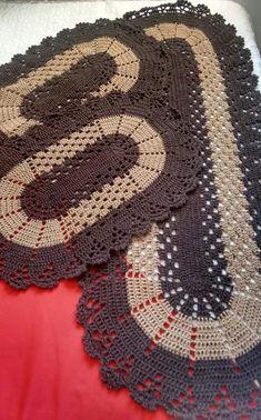 Crochet Kitchen Rug: Sets of Rugs and Walkthroughs Crochet Doily Patterns, Crochet Motif, Crochet Doilies, Knitting Patterns, Crochet Kitchen, Crochet Home, Diy Crochet, Kitchen Rug, Crochet Carpet