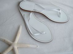 J Crew Sandals Womens Flip Flops White Leather Made in Italy - Size 8 NWOT #JCrew #FlipFlops