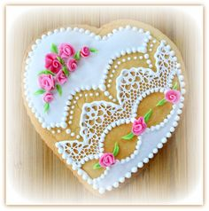 Lace vanilla heart with roses Vanilla Cookies, Roses, Sugar, Heart, Lace, Desserts, Food, Tailgate Desserts, Deserts