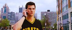 Taylor Lautner and Pittsburgh Pirates