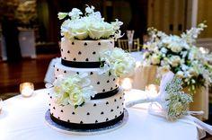 Stunning Wedding Cake!