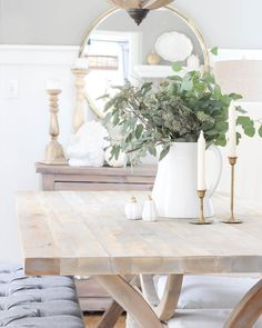 I shared some progress pics of our #diningroom yesterday on the blog! Sharing all the details on our new table, and some other new pieces I added! Direct link in profile, all the sources are in the blog post #roomsforrentblog #farmhousestyle #farmhousetable #table #homedecor #homesweethome