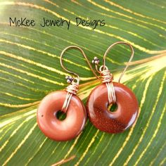 #Sunstone gemstone earrings. Copper wire wrapped gemstones.
