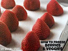 Six Sisters' Stuff: How to Freeze Berries and Veggies