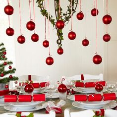 Opt for festive touches | Christmas decorating ideas | PHOTO GALLERY | Style at Home | Housetohome